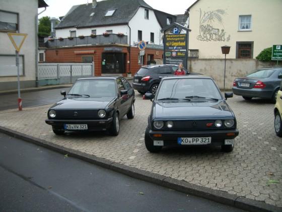 rechts 89er GT mit NZ Motor, Auto ist gerade voll zerlegt